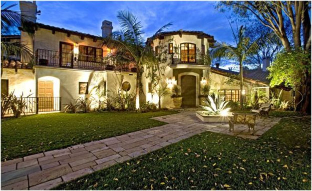 List of most powerful celebrity homes in america for Hollywood mansion for sale