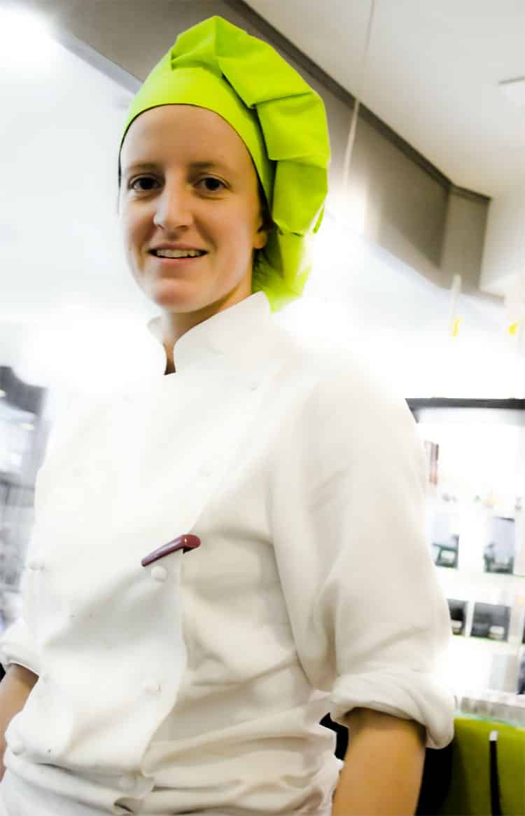 cook-pastry-chef-woman-kitchen-eat-food
