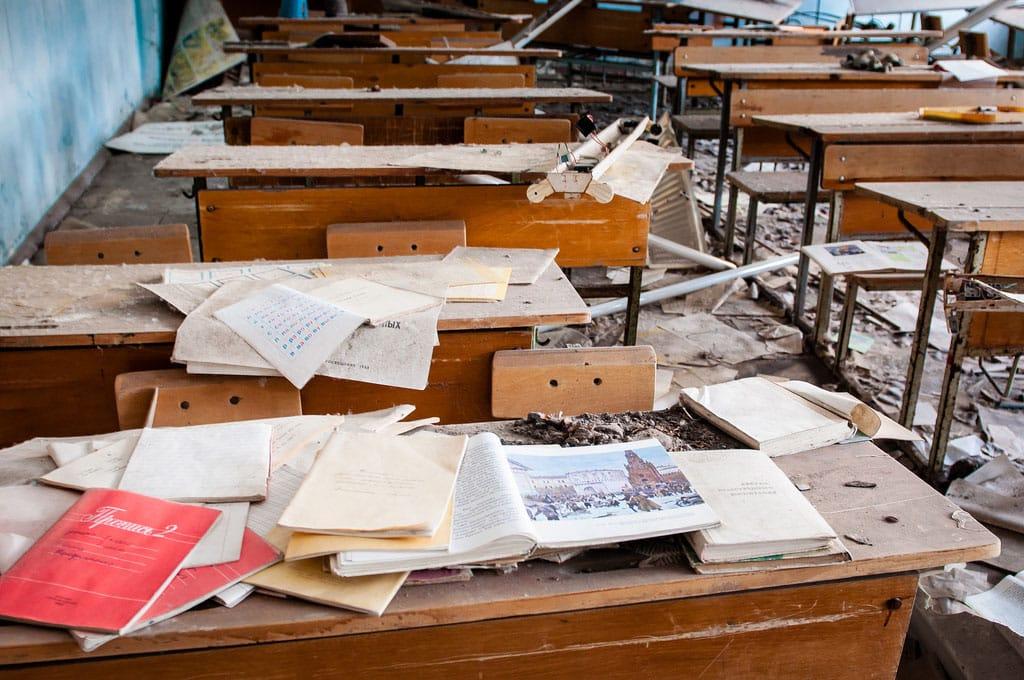 Abandoned-Schools-of-Pripyat-Ukraine-12