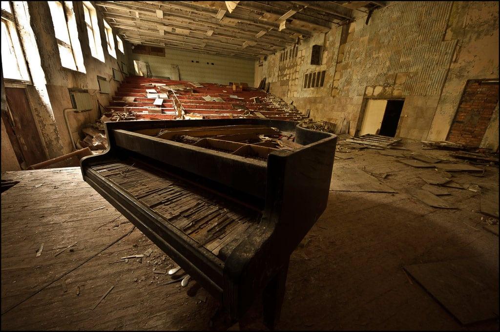 Abandoned-Schools-of-Pripyat-Ukraine-19
