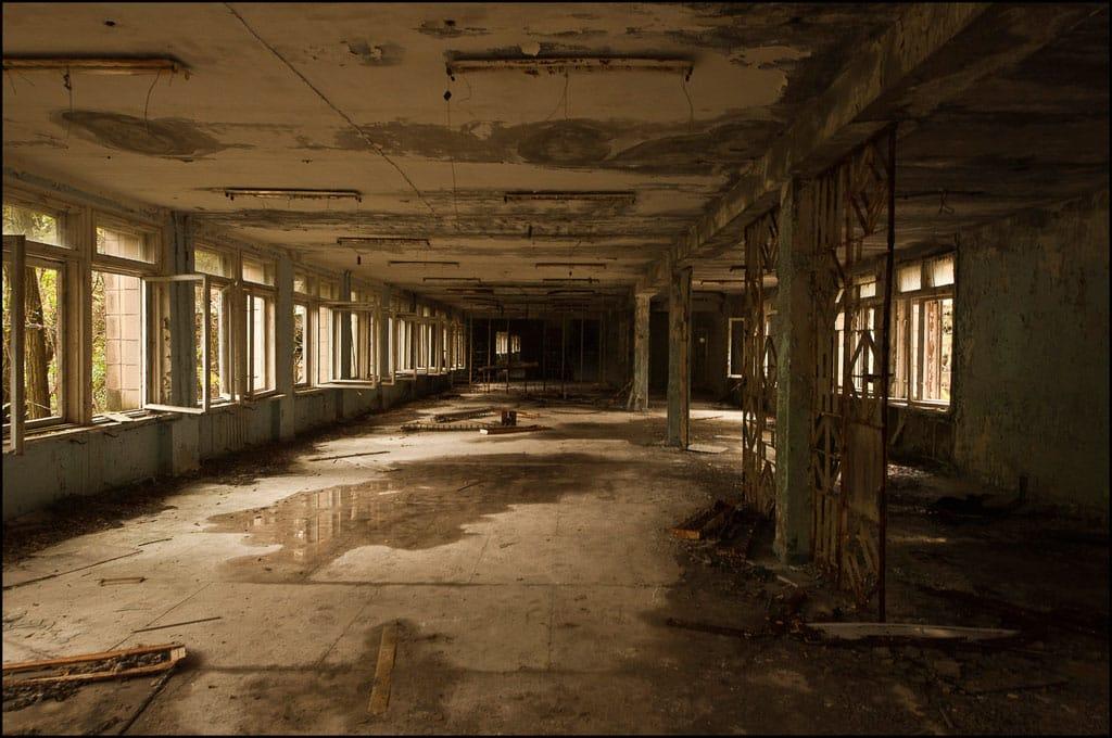 Abandoned-Schools-of-Pripyat-Ukraine-21