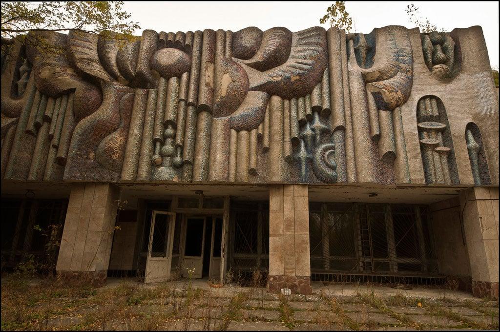 Abandoned-Schools-of-Pripyat-Ukraine-4