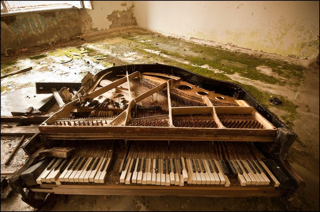 Abandoned-Schools-of-Pripyat-Ukraine-9