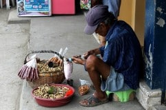 Working For Peanuts: Street Vendors And Peanut Salesman (PHOTOS)