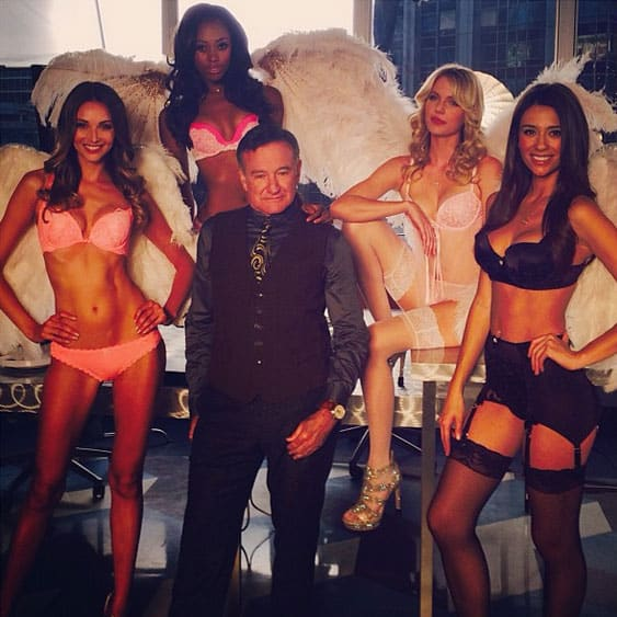Robin-Williams-Victorias-Secret-Angels