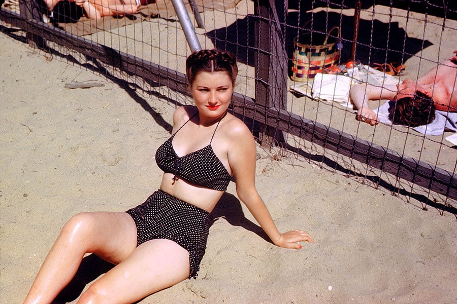 swimsuit-40s-09-swimsuits-history