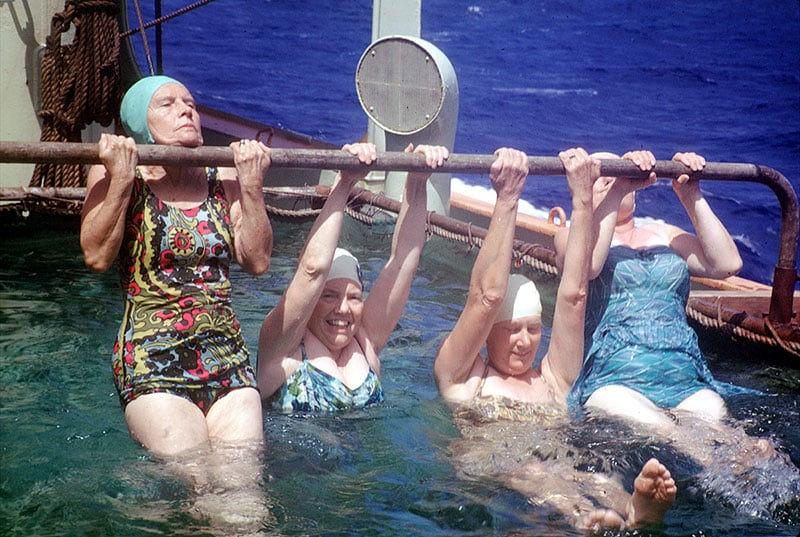 swimsuit-40s-10-swimsuits-history