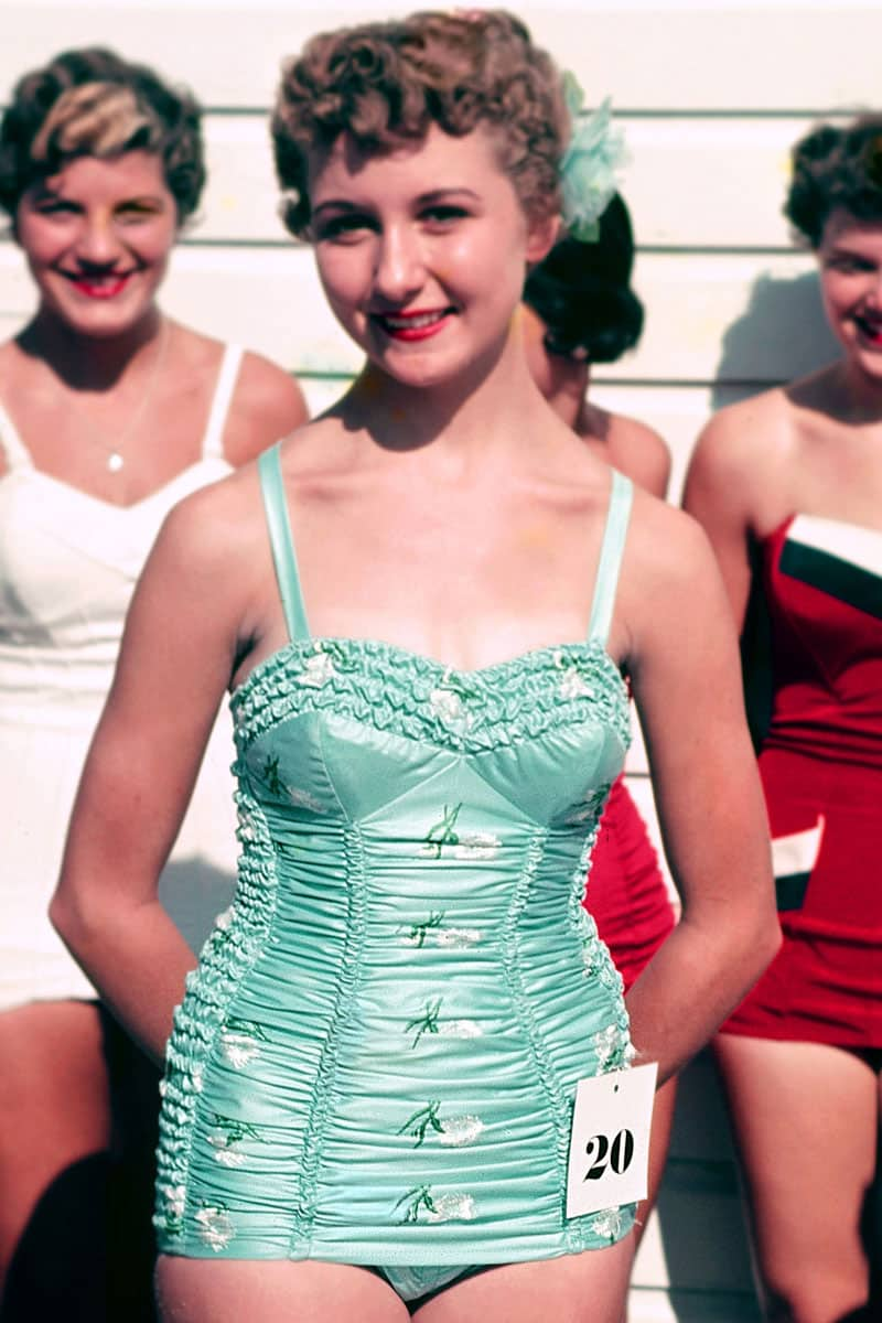 swimsuit-40s-swimsuits-history-2