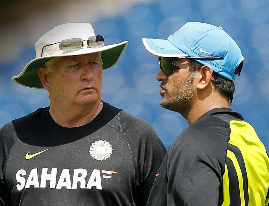 Mahendra Singh Dhoni with Duncan Fletcher