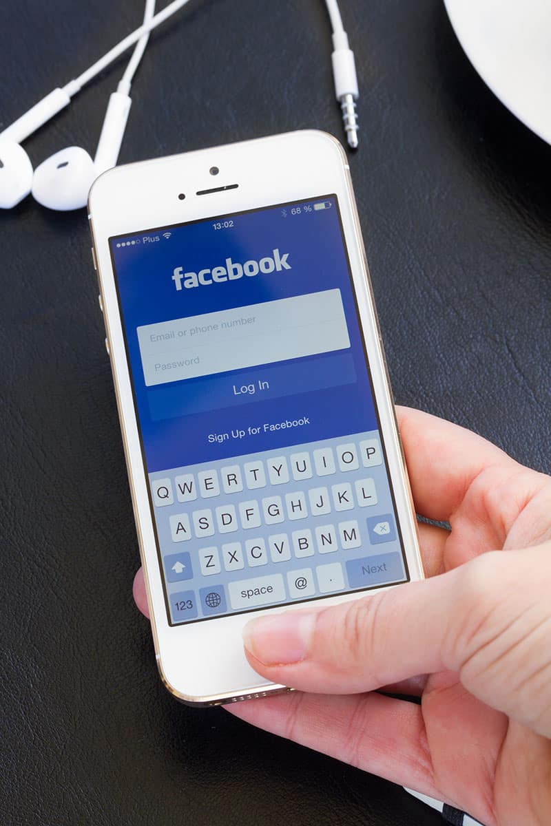 Facebook and other social network accounts iPhone