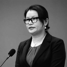 How A Former Factory Girl Became A Billionaire: Zhou Qunfei, The Richest Woman In China?