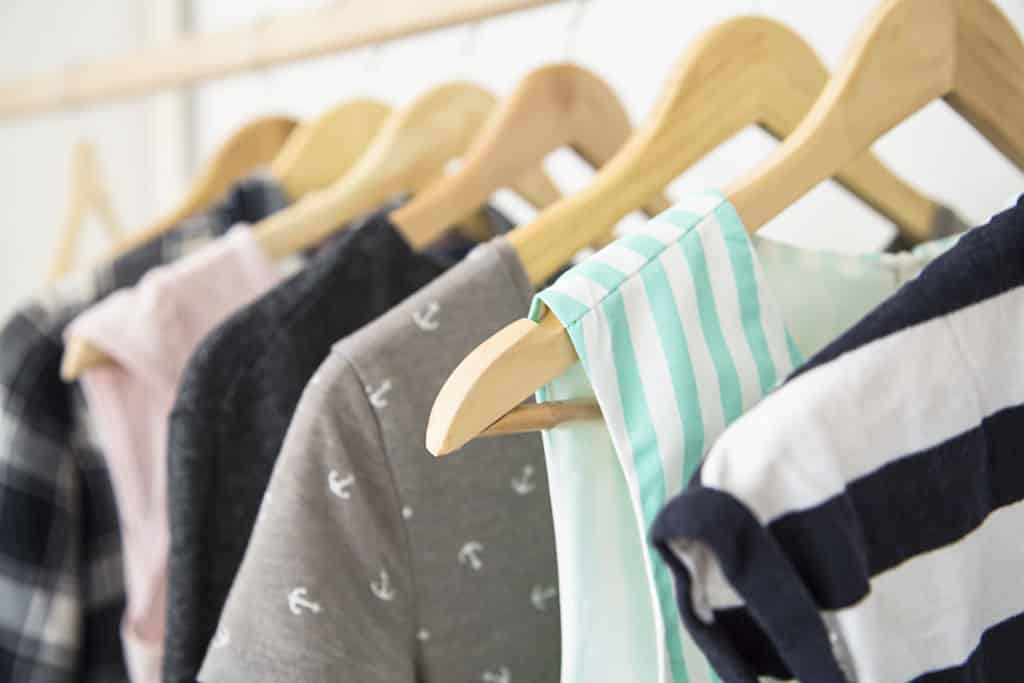 f7980c6311 5 Tips To Organize Your Wardrobe and Make It Look Like It Should ...