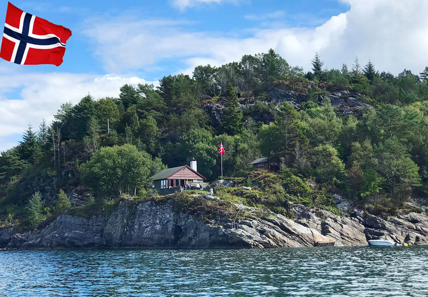 Norsyn, the waterfront cottage with boat access